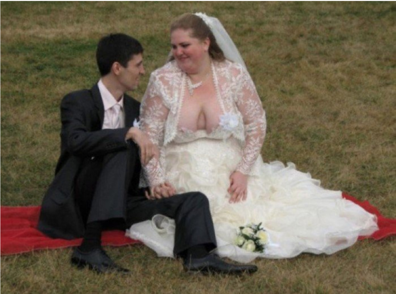 Wedding Nip Slip.Insane Wedding Photos That Probably Shouldn T Go In Any Wedding