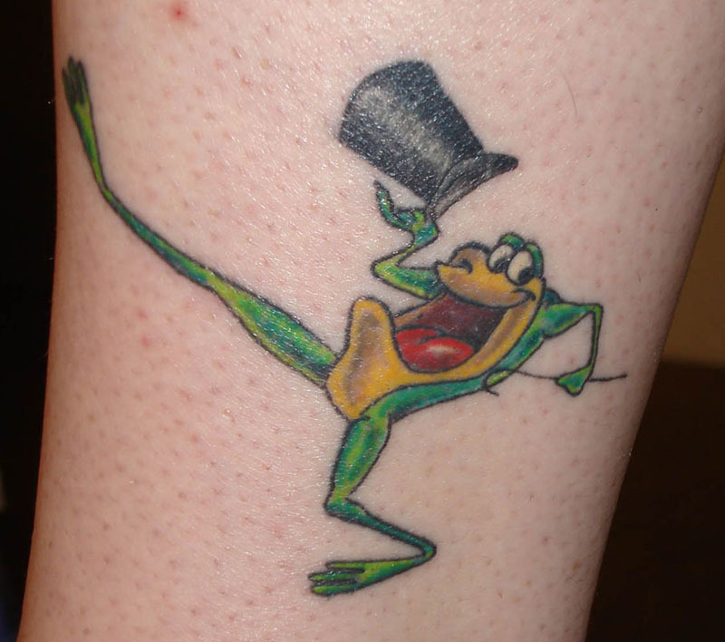 11 Tattoos Bursting With Blackberry Goodness: Get Looney With These Looney Tunes Tattoos - Bugs Bunny