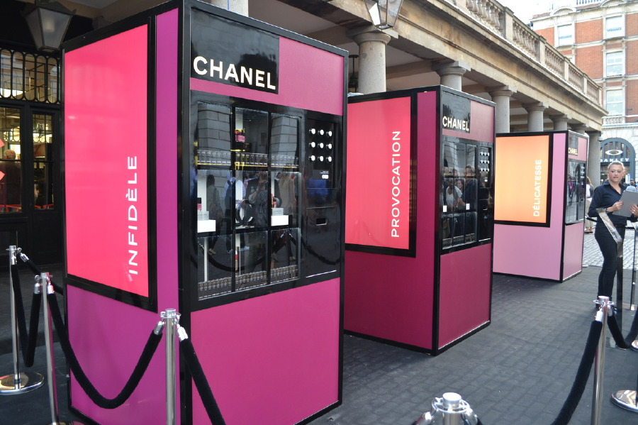Upscale Vending Machines for Fancy People on the Go - Designer Hand Bags | Guff