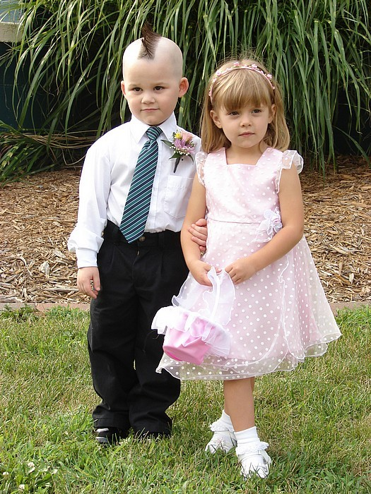 These Toddlers Make The Cutest Little Couples - Looking -4320