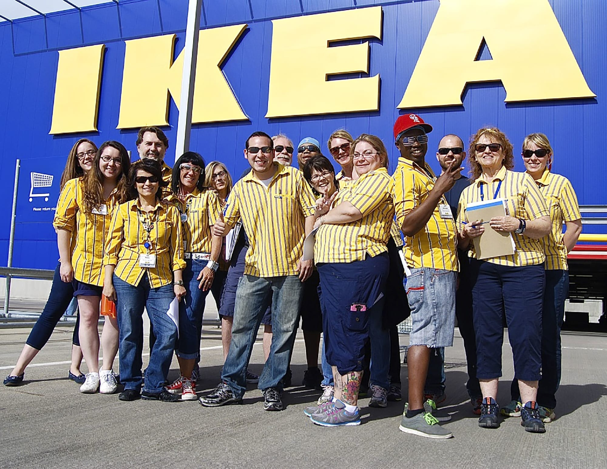 Ikea Employees Are Sharing Dirty Secrets The Company Doesn T Want You To Know Ikea When You