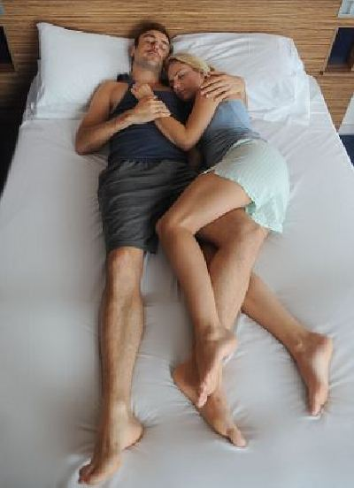 couples sleeping postions