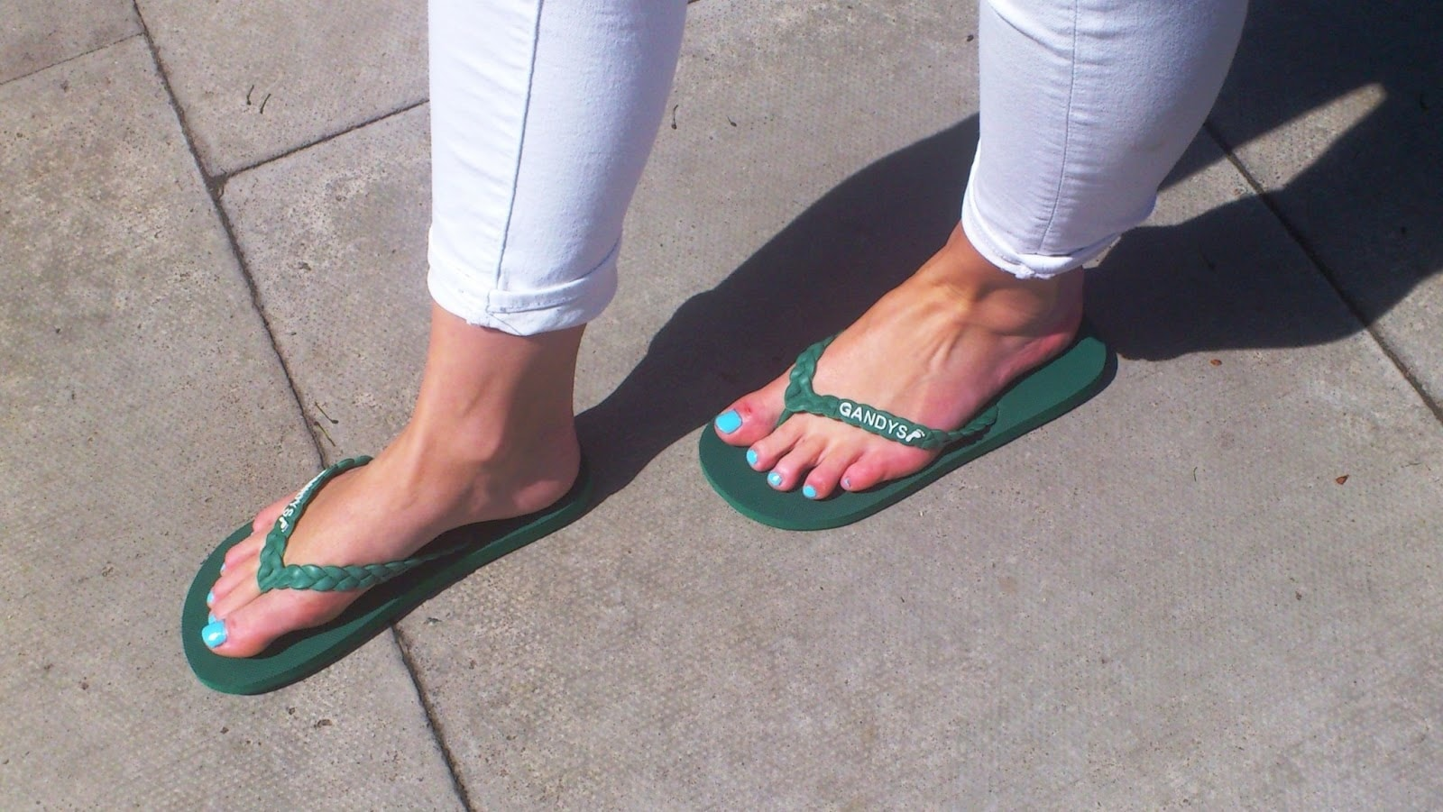 ca1e6255e92b More Than Likely You ve Been Wearing Flip Flops Wrong Your Entire ...