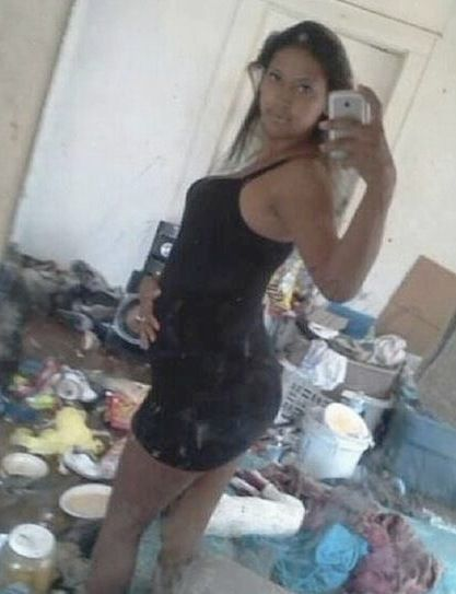 15 Extreme Messy Room Selfie Fails Side Angle Memes